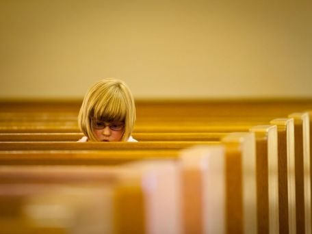 girl-church-pews_8615_990x742-1